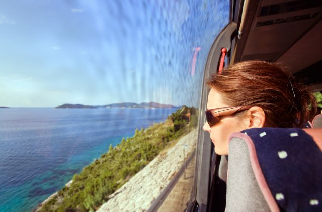 5 razones por las que viajar en Autobús es mejor que en Avión