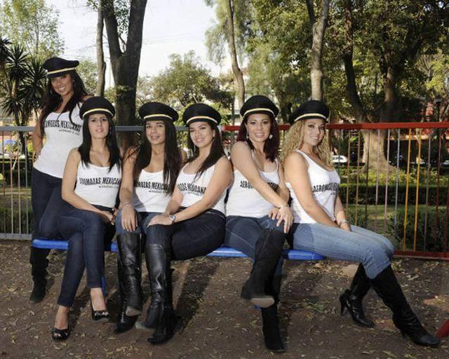 Aeromozas de Mexicana ahora en Playboy