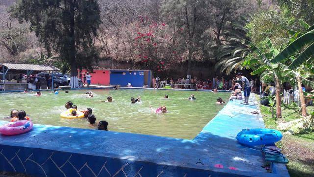 Balneario Agua Amarilla Jungapeo Michoacán