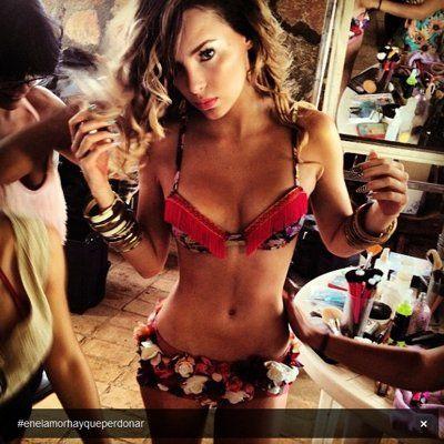 Belinda luce cuerpazo en Bikini