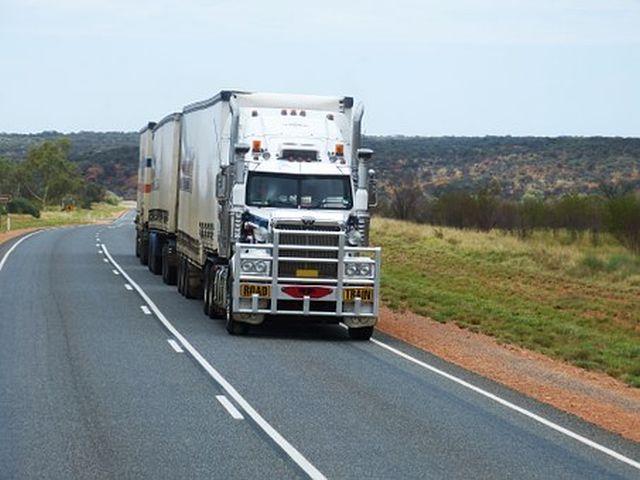 Contratar online un transporte para mercancía en España y Europa