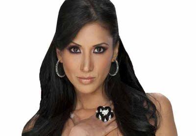 Cynthia Urías