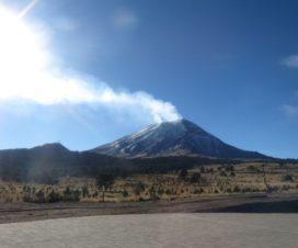 Don Goyo Nevado y su Fumarola Parque Nacional Izta Popo