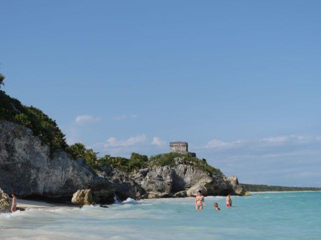 El Mar Caribe y El Castillo Tulum México