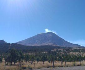 El Popocatépetl Sacando Gases en el Parque Nacional Izta Popo