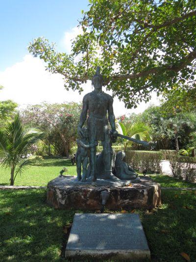 Estatua de Bronce Gonzalo Guerrero y el Mestizaje Akumal