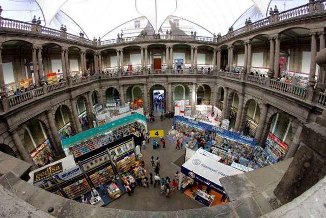 Feria Internacional del Libro del Palacio de Minería 2016
