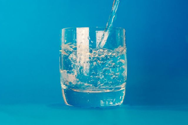 La Importancia de Tomar Agua Alcalina y sus Beneficios en tu Salud