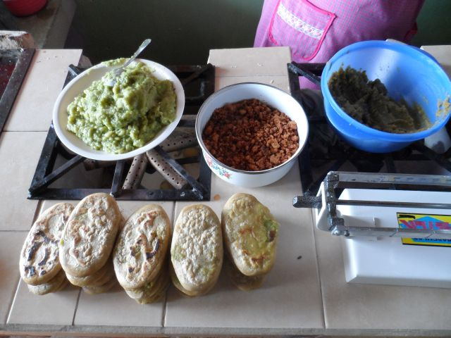 Los Deliciosos Tlacoyos de Tlatlauquitepec Puebla