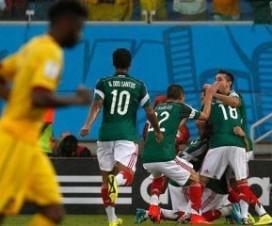 México hace los deberes frente a Camerún