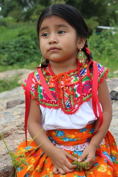 Niña Indígena Chatina Oaxaca México