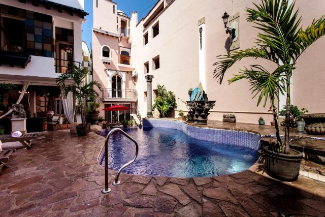 Pet Friendly Hotel Boutique Garlands del Río Vallarta