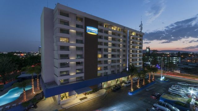 Pet Friendly Hotel Staybridge Suites Guadalajara