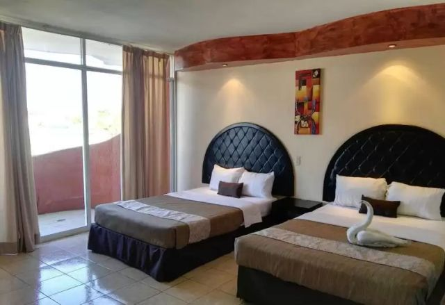 Pet Friendly Hotel Zona Dorada Inn Mazatlán
