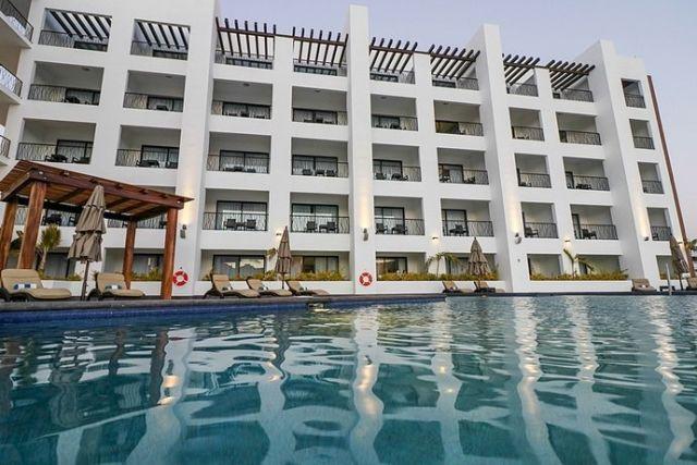 Pet Friendly Médano Hotel & Suites Los Cabos