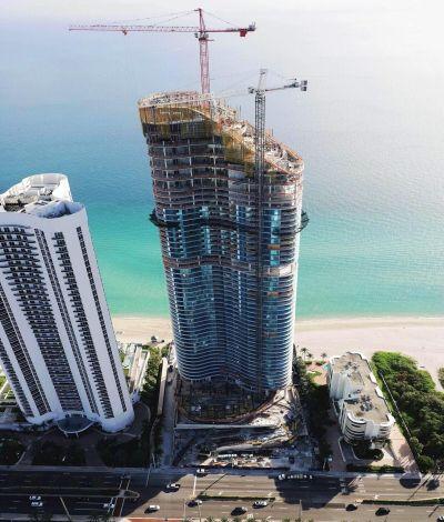 The Ritz Carlton Residences Sunny Isles Beach, Alcanzando la Cima del Estilo