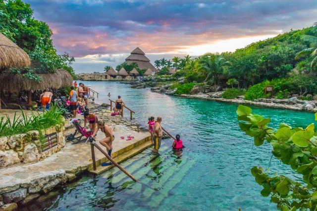 Tours a Xcaret desde Cancún y La Riviera Maya