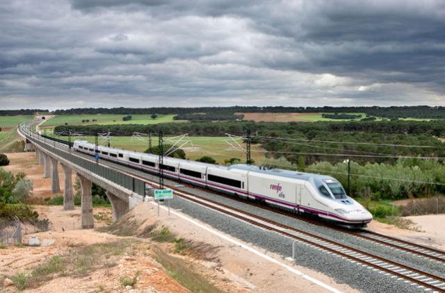 La Empresa Española Trenes.com concluye el 2017 con 21,5 millones de Euros en Venta de Pasajes de Tren