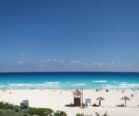 Una Tarde en Playa Delfines Cancún